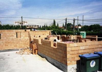 2006 – Der Neubau eines Schutzhauses wurde umgehend in Angriff genommen