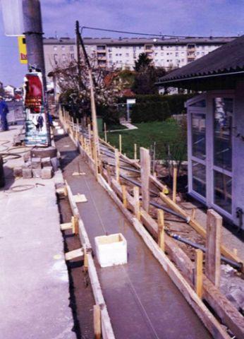 2006 – Die Arbeiten an der Lärmschutzwand Brünner Straße haben begonnen