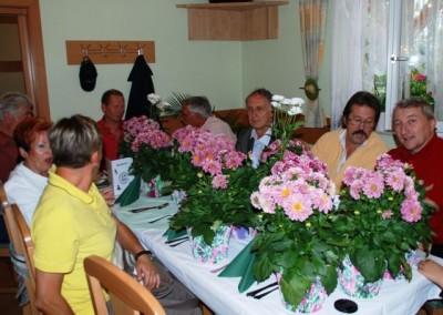 2009 – Vorbereitete Blumen für die Ehrung langjährige Mitglieder