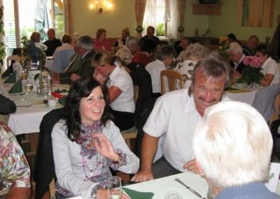 2009 – Gut gelaunte Mitglieder bei der 90-Jahr-Feier