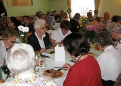 2009 – Zu einem gelungenen Fest gehören auch ein gutes Essen und Trinken