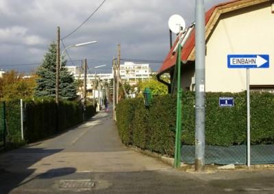 2009 – Ecke Otto-Storch-Gasse Ecke/Neudorfergasse- Zugang zum Hauptweg, zum Vereins- und zum Schutzhaus