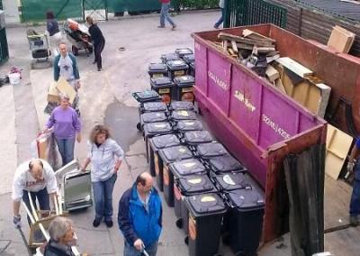 2010 – Einmal jährlich gibt es eine große Sperrmüllabfuhr über den Verein