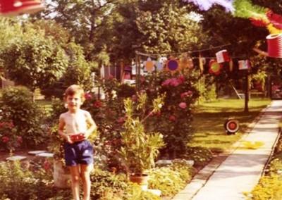 1977 - Aus Anlass des Lichterfestes geschmückte Parzelle 192